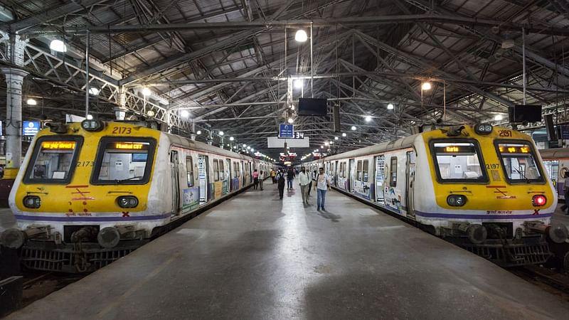 Mumbai: कल से 350 लोकल ट्रेनें और चलेंगी