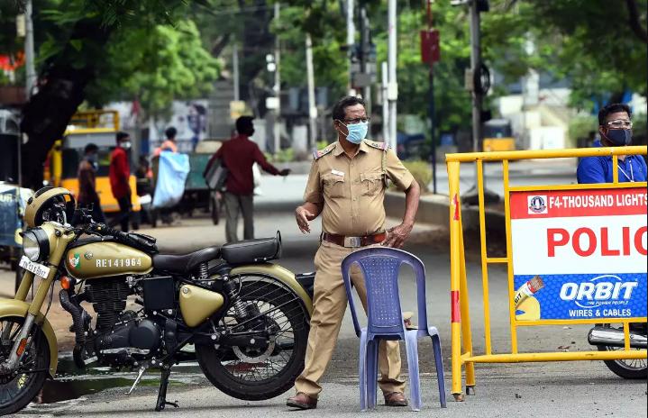 Lockdown Violation in Mumbai - Metro Mumbai