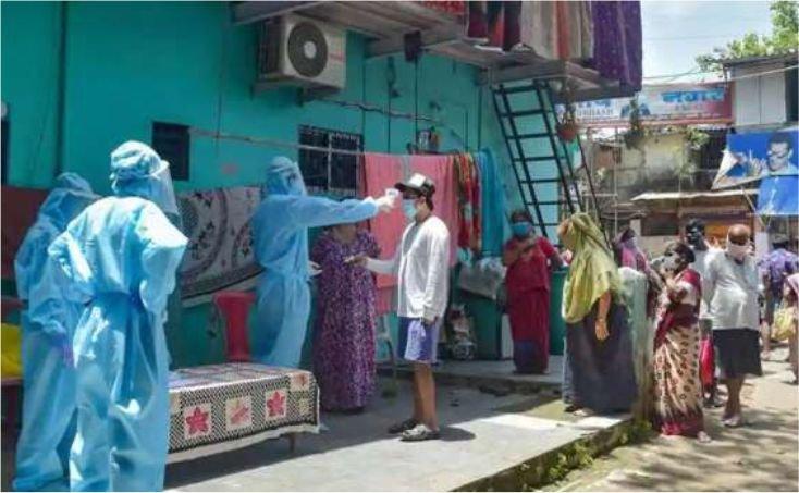 Mumbai: स्लम इलाकों की आधी आबादी संक्रमित होकर आपने आप हुई ठीक