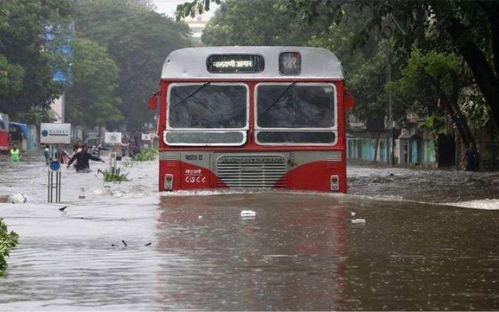 मुंबई में अगले 48 घंटों में भारी बारिश होने की उम्मीद