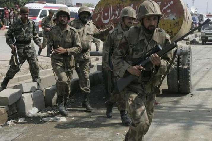 Karachi Terrorists attack: पाकिस्तानी स्टॉक एक्सचेंज पर आतंकी हमला, तीन आतंकियों की मौत