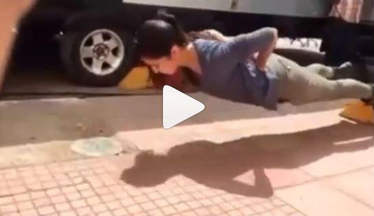 Katrina Kaif Video: हाथ के सहारे बिना पुश-अप्स करती नज़र आईं कैटरीना कैफ