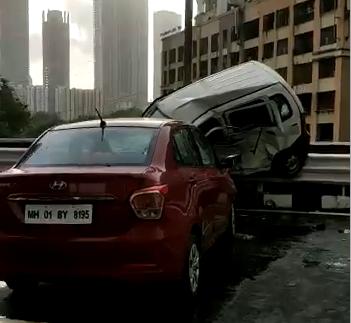 मुंबई: 18 वर्षीय बाइक चालक की मौत, 2 अन्य घायल