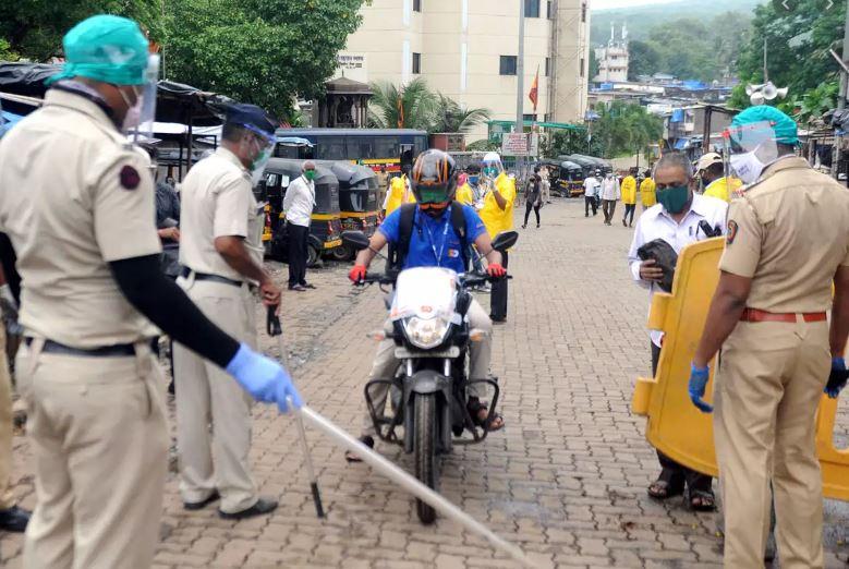 मुंबई पुलिस ने दो किलोमीटर के दायरे वाले नियम को वापस लिया, जानिए क्या है वजह