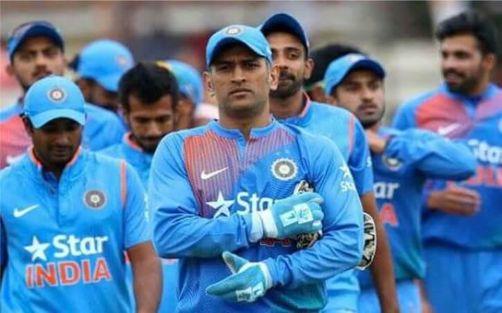 महेंद्र सिंह धोनी ने किया सन्यास का एलान, IPL खेलते रहेंगे