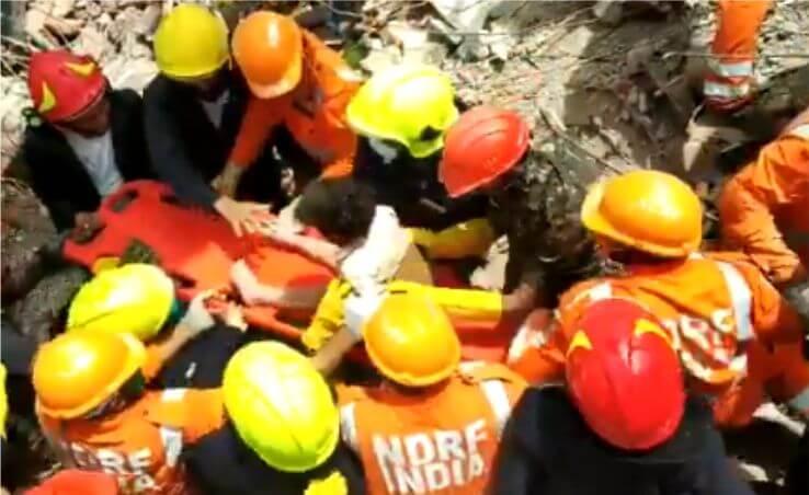 Raigad Building Collapse: रायगढ हादसे के 20 घंटे बाद मलबे से जिंदा निकला चार साल का बच्चा