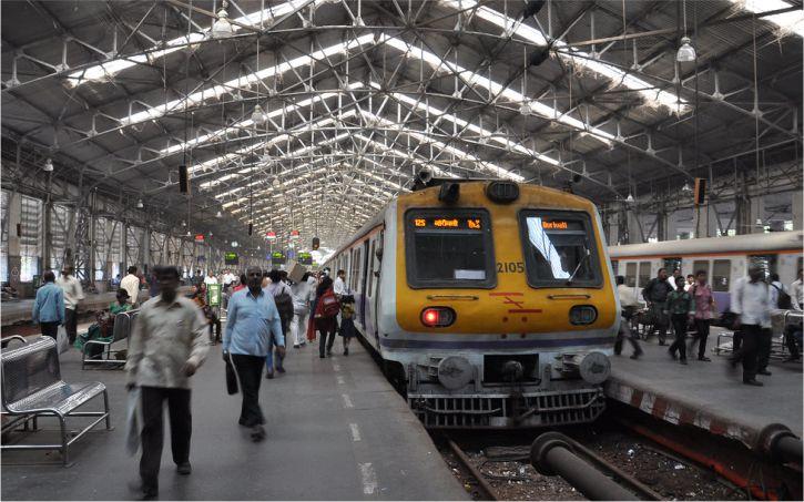 मुंबई लोकल ट्रेन कब शुरू करना चाहिए, इसे लेकर TIFR ने BMC को शेयर किया मॉडल