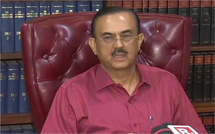 सुशांत के पिता के वकील ने कहा, गलत दिशा में जा रही मामले की जांच