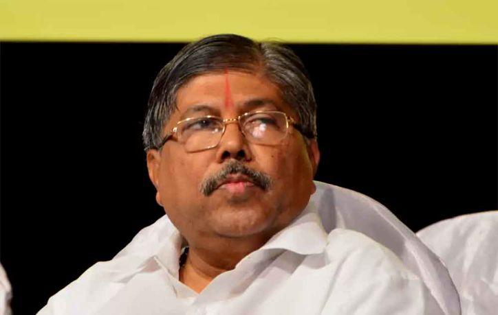 चंद्रकांत पाटिल का महाराष्ट्र सरकार पर हमला, 'शरद पवार राज्य को चलते है, मुख्यमंत्री नहीं'
