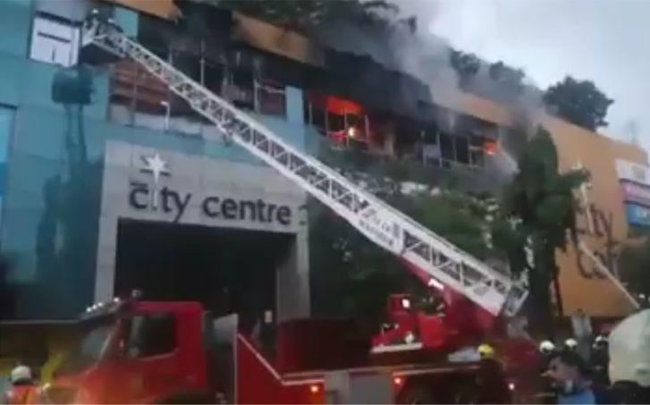 मुंबई के सिटी सेंटर मॉल में भीषण आग, पास के बिल्डिंग से 3500 लोगों क्या गया शिफ्ट