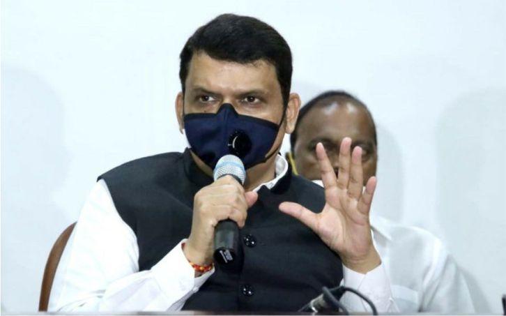 मराठा आरक्षण: देवेंद्र फडणवीस ने महाराष्ट्र सरकार पर समय बर्बाद करने का लगाया आरोप