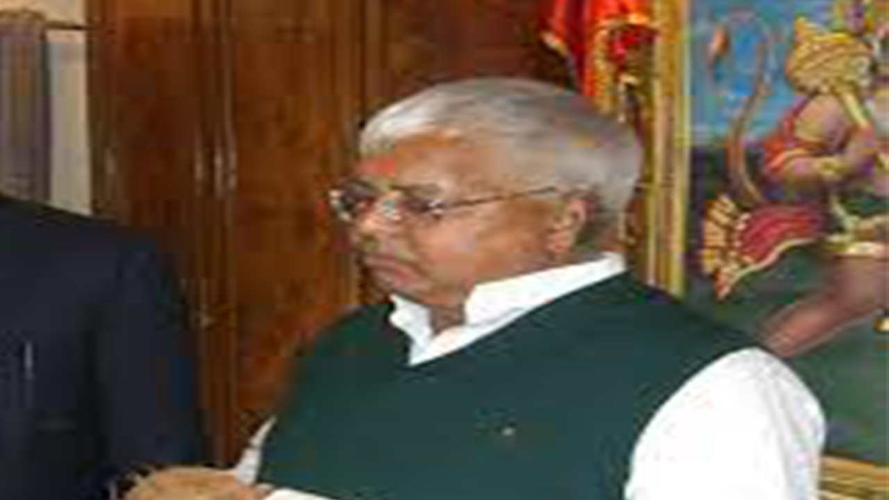 लालू यादव के दोनों बेटों के खिलाफ नीतीश सरकार ने की FIR दर्ज