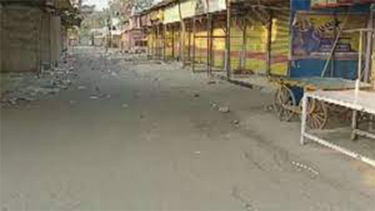 पुणे में बेहद सख्त हुआ लॉकडाउन, आवश्यक सेवाओं की दुकानें भी रहेगी बंद