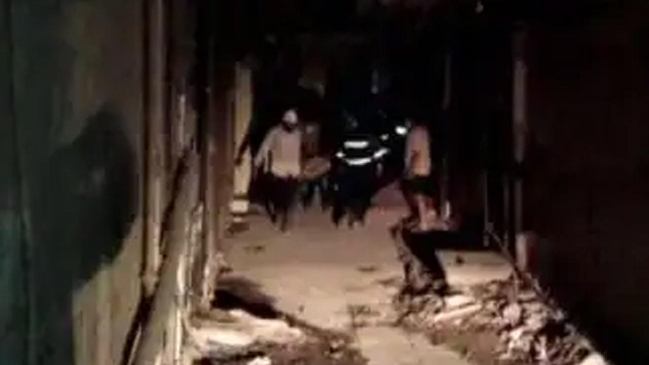 मुम्बई से सटे ठाणे में दर्दनाक हादसा, रिहायसी इमारत के स्लैब गिरने से 7 लोगों की मौत