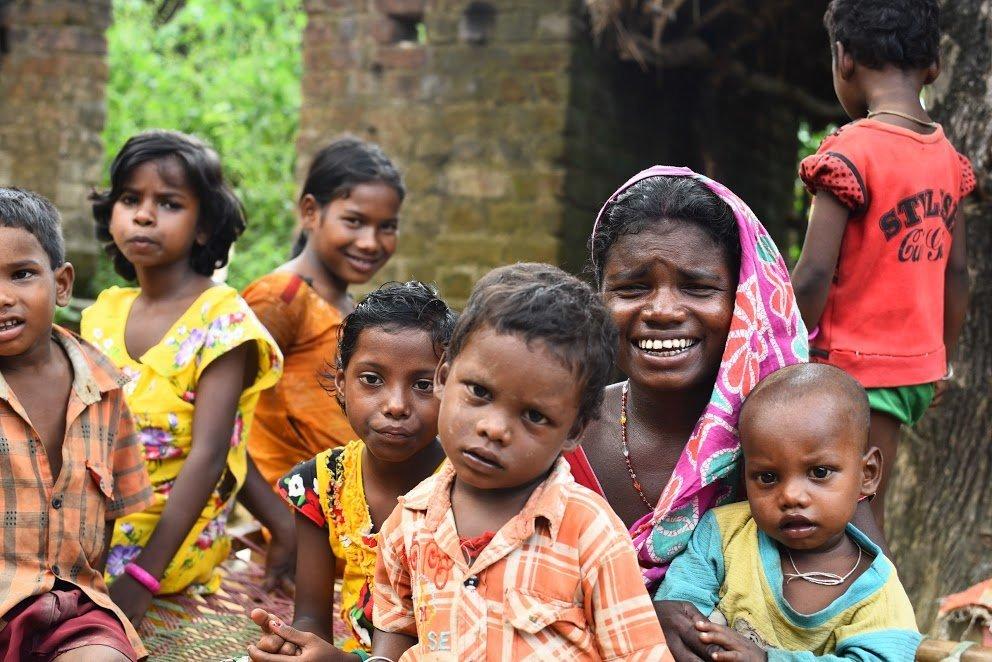 नांदेड़ के कलेक्टर ने आदिवासी क्षेत्र का दौरा कर आरोग्य केंद्र का किया मुहियाना