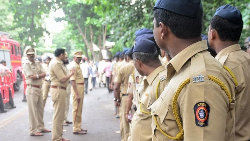 महाराष्ट्र राज्य पोलीस ने ग्राम सुरक्षा हेतु चलाया अभियान