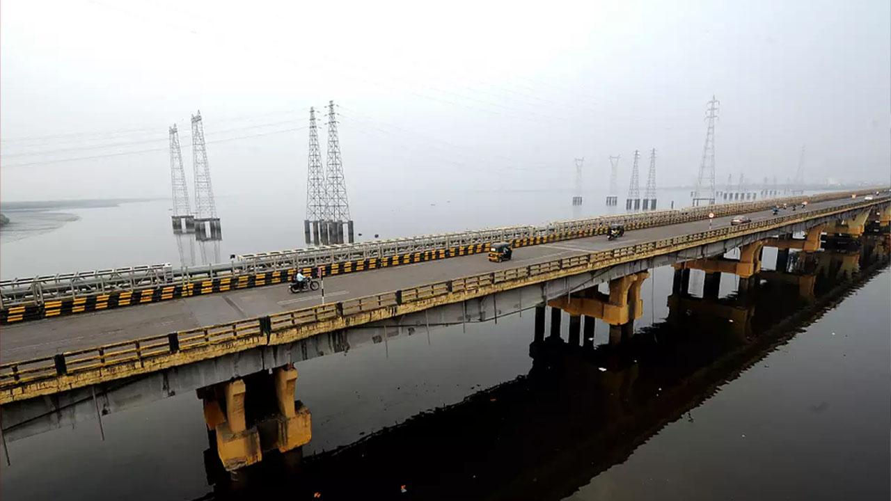 मुम्बई में BMC गिराएगी 127 साल पुराने पूल