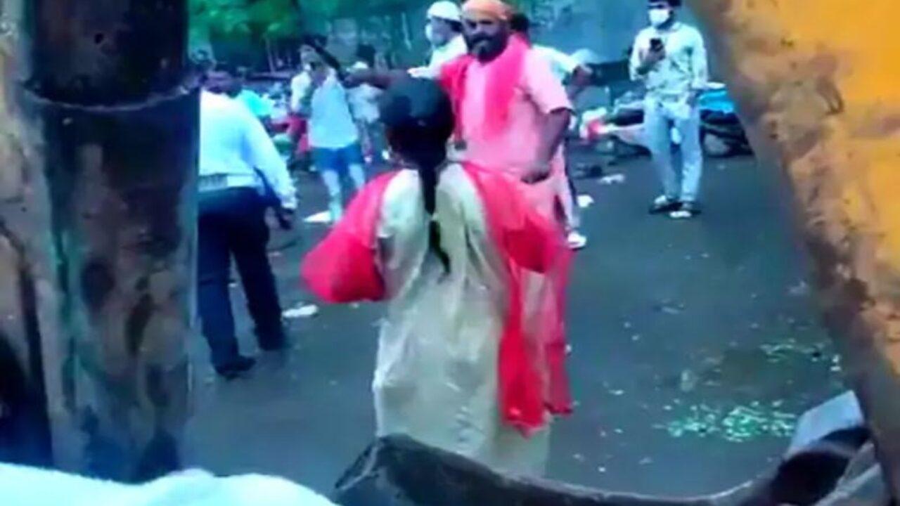 ठाणे में अवैध फेरीवालों पर नगरनिगम का हथौड़ा पड़ना जारी
