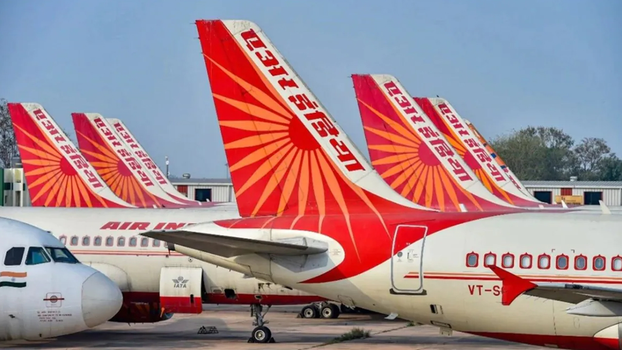एयर इंडिया के कर्मचारियों मकान न खाली करने की दी धमकी