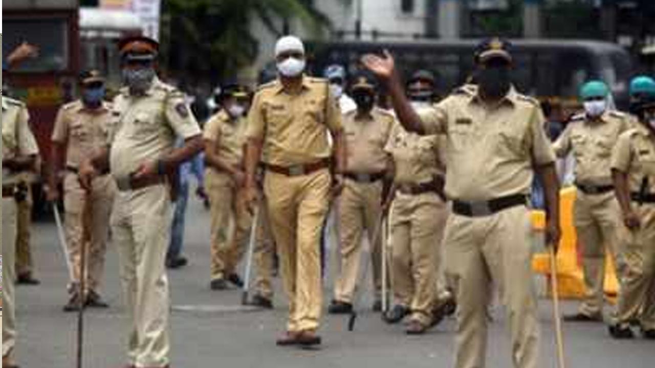 मुम्बई पुलिस के कर्मचारी ने किया बलात्कार, धक्कादायक घटना